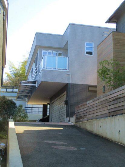 静岡市清水区村松 3台駐車可能なインナーガレージ住宅