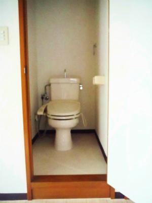 101トイレ.jpg