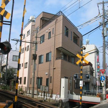 狭小・変形敷地を有効活用した重量鉄骨造 静岡県三島市