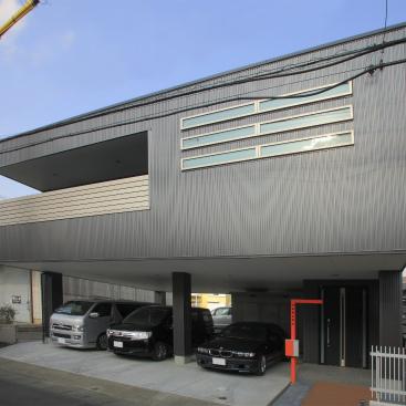 シャープな質感を極めた外観・・・Open Air ビルトインガレージの家 静岡市清水区