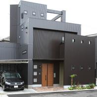 変形地に建つアンティークカフェスタイルな重量鉄骨住宅 静岡市清水区