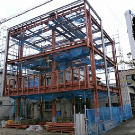 変形地に建つ重量鉄骨3階建て店舗付住宅 静岡市清水区