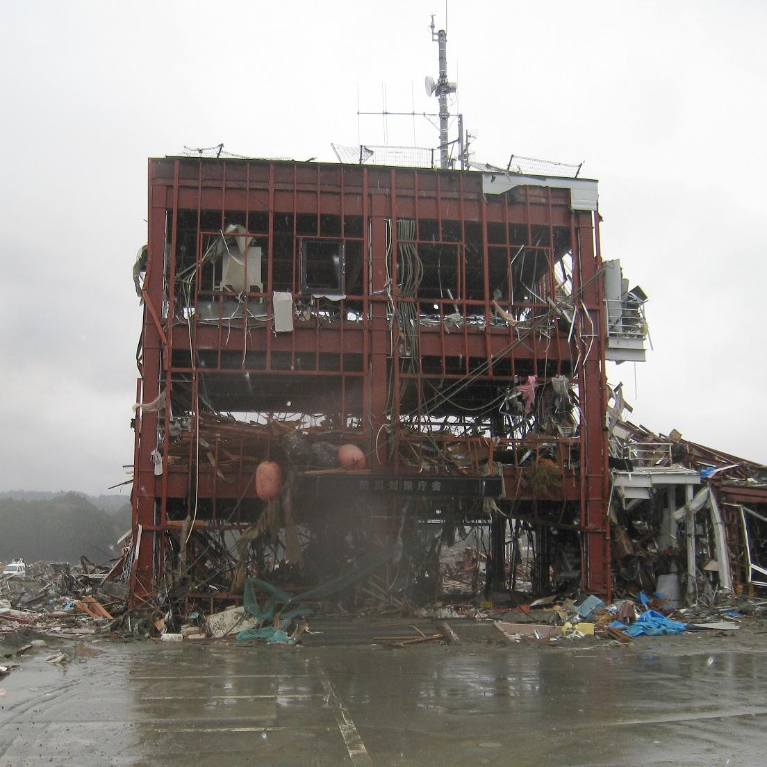 大津波でも11名の命が助かった、重量鉄骨造の南三陸町防災対策庁舎の視察に行ってきました。
