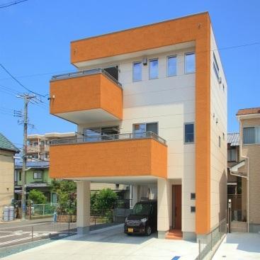 高気密・高断熱 ウエルネス、3階建ビルトイン駐車場付重量鉄骨住宅 静岡市葵区