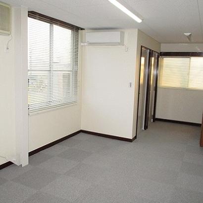 【鉄骨リノベーション】 鉄骨造2階建ての作業場を事務所にリノベーション。静岡市清水区