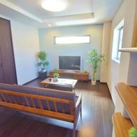 空と繋がるルーフバルコニーのある重量鉄骨3階建て住宅 静岡市清水区